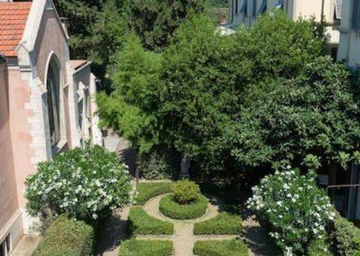 St James gardens
